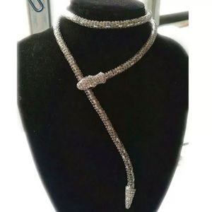 NWT BETSEY JOHNSON MAGNETIC SILVER SNAKE NECKLACE